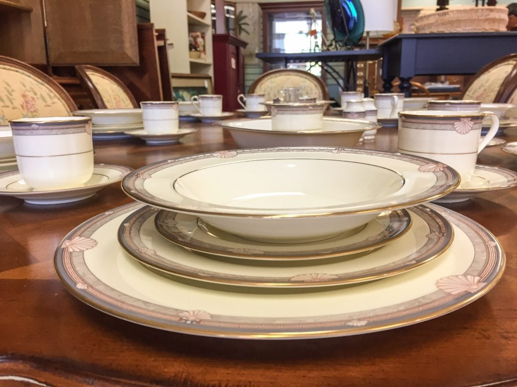 Bone China Dinner Service - 8 • This bone china dinner service serves 8 and includes a gravy boat, a medium platter and 2 serving bowls. Set the table in fine style next time you have guests.
