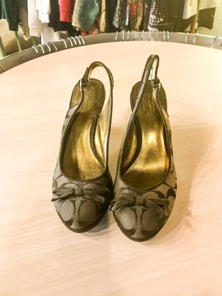 Adorable Coach Sling Back Heels • Sling back heels can dress up a pair of jeans or be worn with a dress. These Coach sling back shoes have the Coach logo fabric. They are a size 7.