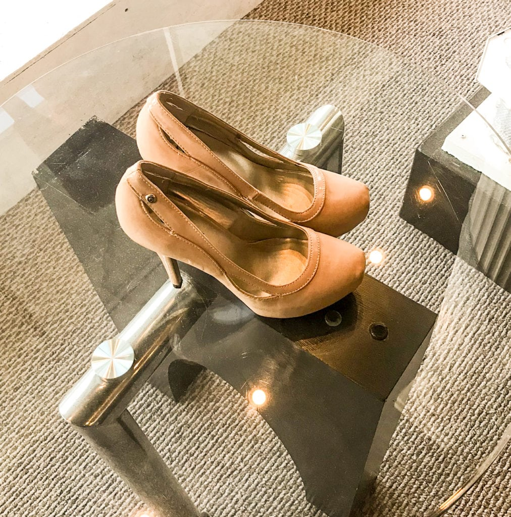 Tan Guess Heels • Beautiful size 7 Guess heels that are a very nice tan color. Tan is a nice color companion to red! Great for the Holiday Season.