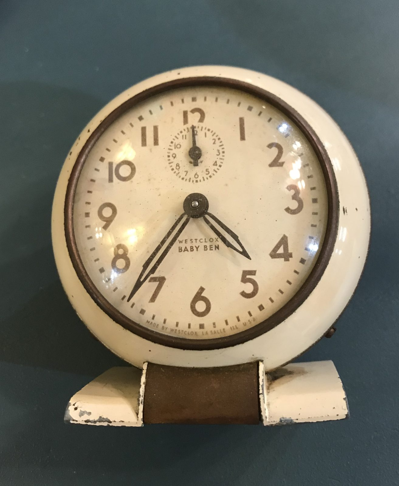 Westclox Baby Ben Alarm Clock • This vintage alarm clock is in great used condition and really works! The neutral paint works in any decor, and would look wonderful in a guest room, office as part of your collection!