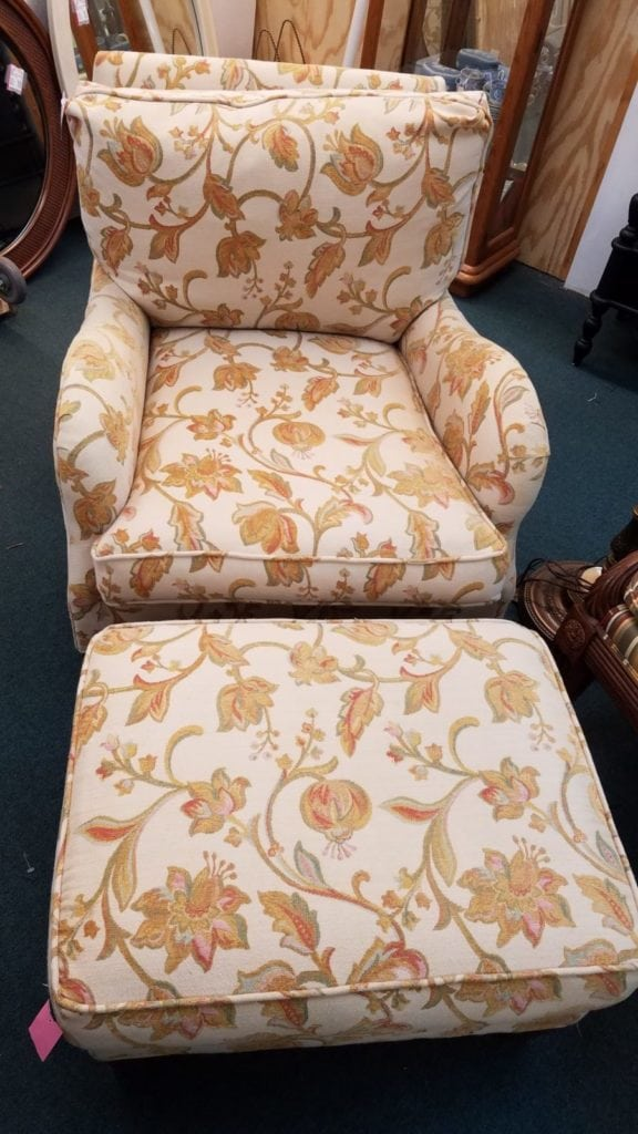 classic paisley/floral chair • There are 2 of these beautiful, classic design chairs & one ottoman