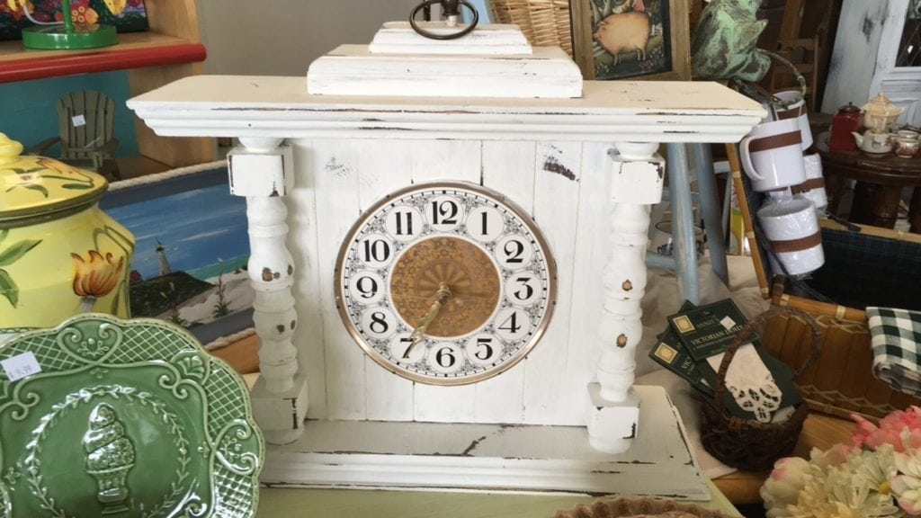 Vintage Shabby Chic Mantle Clock • Very charming and unique Table or Mantle Clock appears to be hand made. Chalk painted white and distressed it features turned columns and s gold & white Clock face. Battery operated.