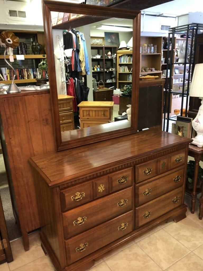 Bassett Dresser with Mirror • Bassett Dresser with Mirror in excellent condition. Has dove tailed Drawers.