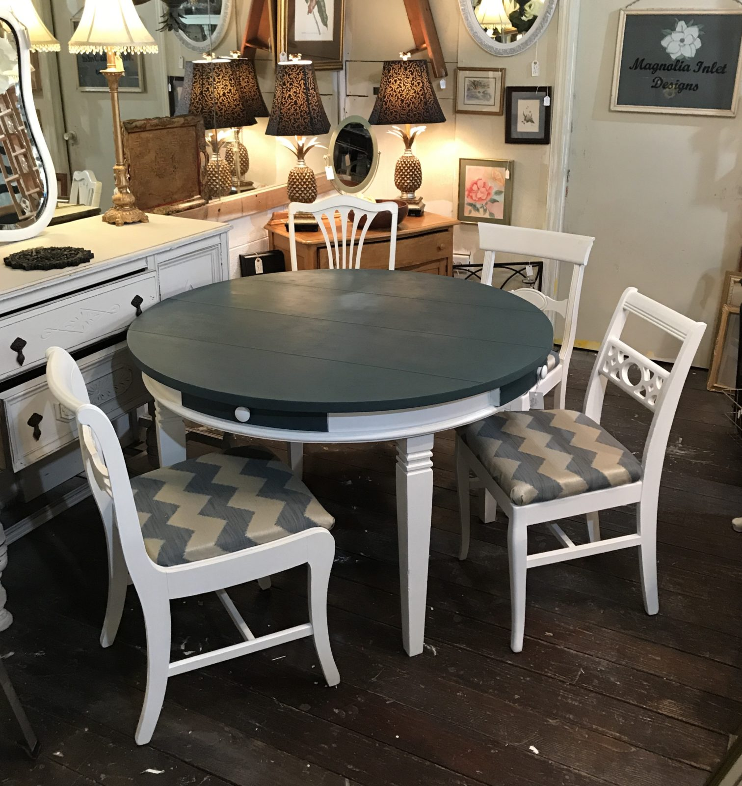 Dining Table And Four Chairs Magnolia Inlet Designs - Round dining table with four chairs