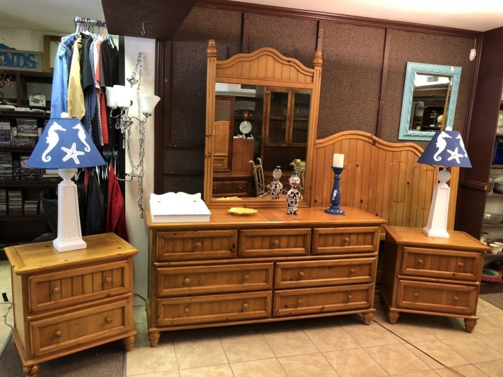 Solid Pine King Bedroom Set • Beautiful Solid Ping King Size Bedroom Set. Set includes King Headboard, rails, dresser w/Mirror and 2 Night Stands. Some wear on dresser top all else in excellent condition.
