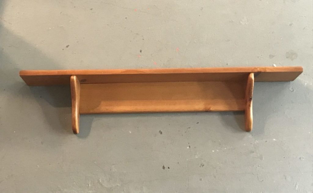 Wood wall shelf • Let us customize this simple shelf to match your decor. Choose your finish-paint or stain, and choose your hardware to hold keys, hats, handbags or jackets. Ask to see our previous projects with similar pieces!