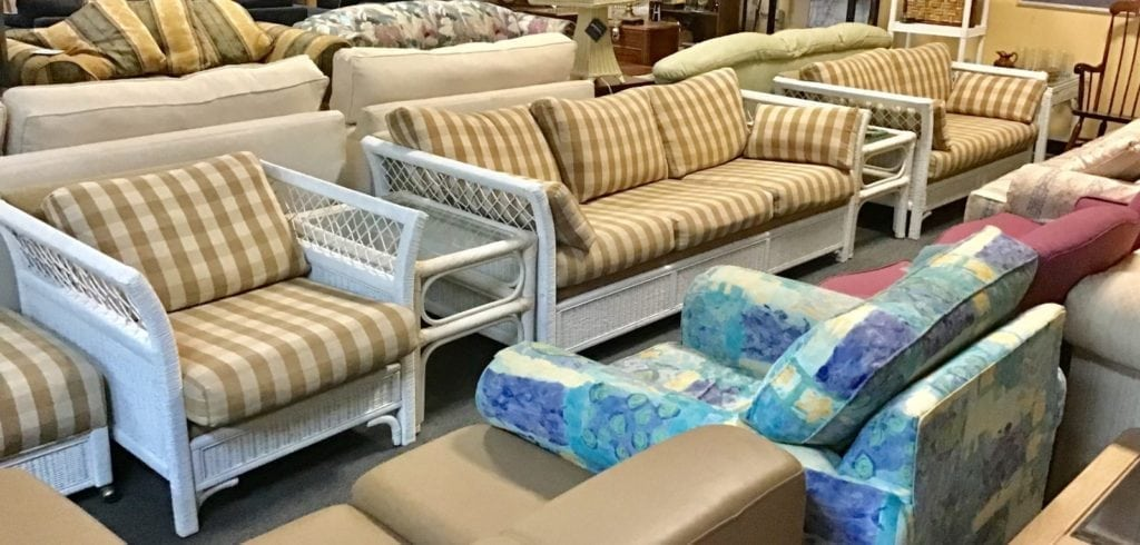 Beautiful Quality Wicker 4 piece • This is a beautiful high quality wicker living room or sunroom set It is four pieces Queen sleeper sofa and loveseat and chair with matching ottoman this set is durable very well-made and perfect for anyone's home located at 5033 Dick Pond Rd unit G