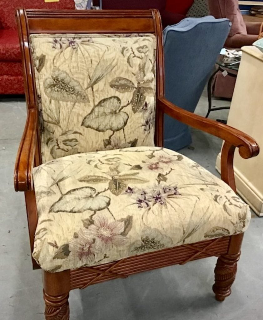 Astro lounger accent chair • Great buy on this gently used Astro lounger accent chair from smoke, pet and bug free home. Excellent condition save $$$$ Chair is in neutral tones so you could use this piece to playoff other neutral pieces in your home while bringing beauty to the space