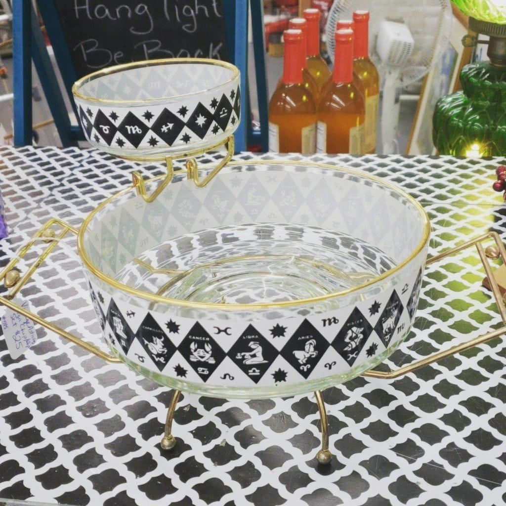 Vintage zodiac chip & dip set • This gorgeous vintage chip and dip set features all the astrological signs of the zodiac. Chip and dip bowls both sit in a metal base, dip bowl attaches to side.