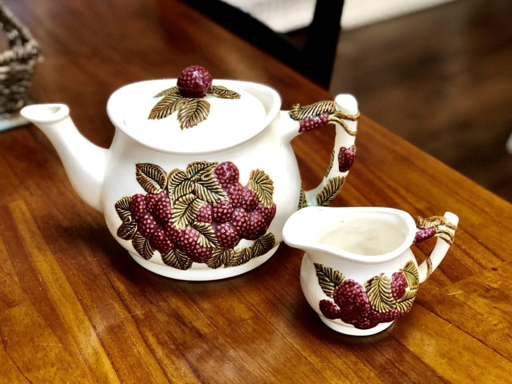 Red Berries Tea Pot & Creamer • Adorable red berries tea pot and creamer. Makes a nice accent color in a kitchen.