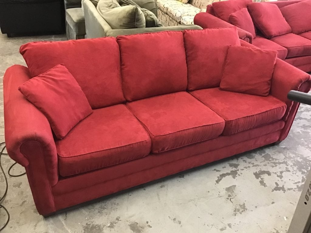 Beautiful Red Queen Sleeper Sofa • Beautiful Red Queen Sleeper Sofa Very Gently Used Condition Mattress is in Great Shape Always Kept Covered and it's The Loose Pillow Back Style.Great in Your Home Condo or Rental Unit for Extra Company