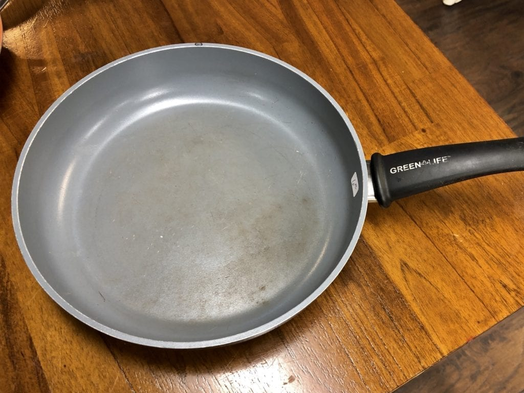 Green Life Ceramic Pan • Nice study Green Life ceramic pan. Gently used. Great pan for the money. Awesome price of $10
